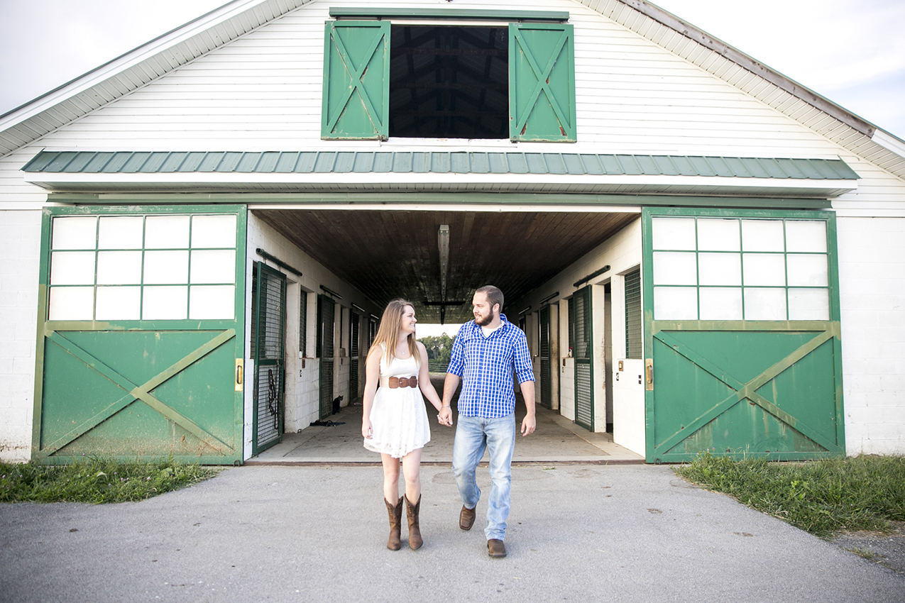 Private Farm in Lexington Kentucky. Think about perfect places for photography when planning your engegament session.