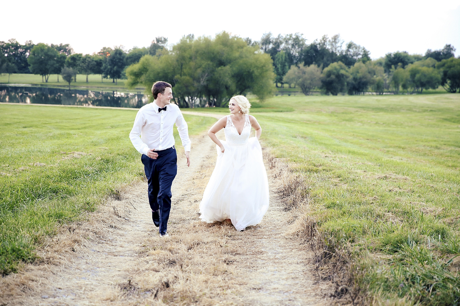 This southern wedding was shot at Talon Winery in Lexington, Kentucky.